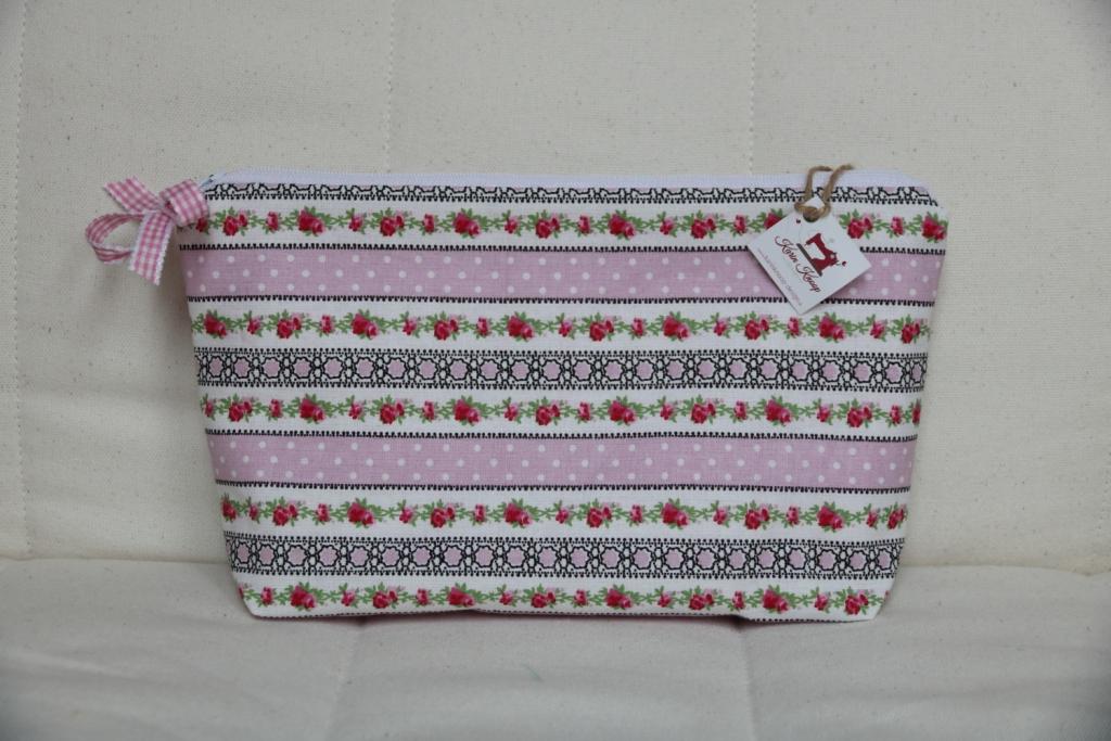 1f4bfbcab3 Kozmetická taštička patchwork ružová - Karinknoop-design.sk